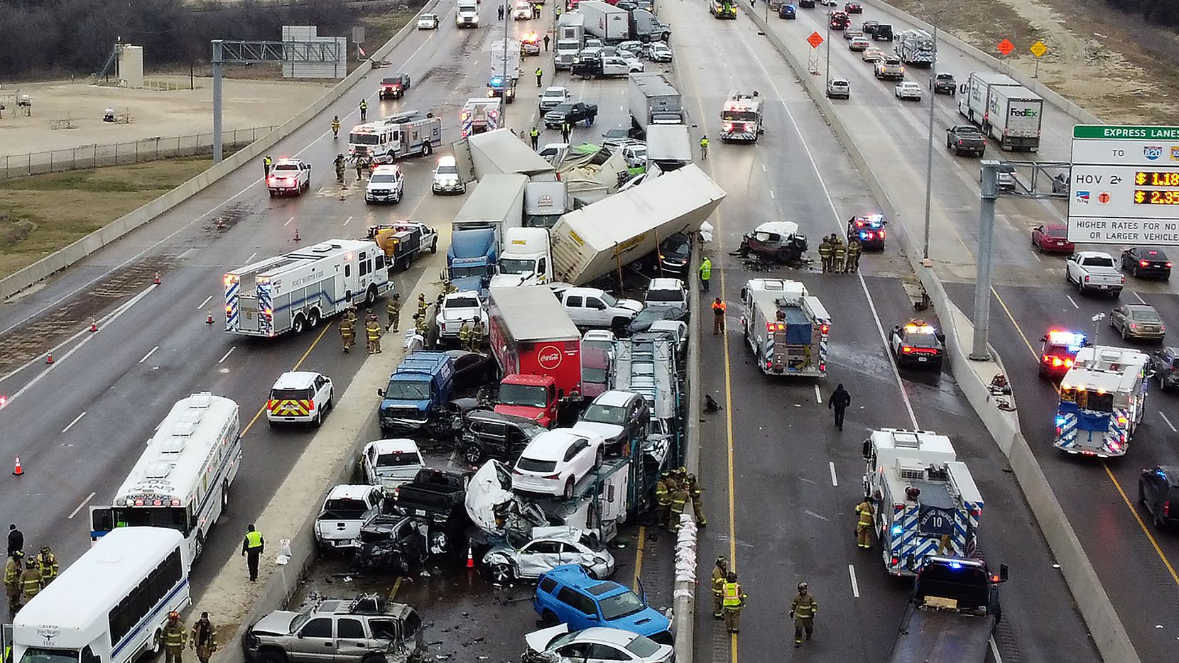 At least six people were killed in a major crash on Interstate 35W in Fort Worth on Thursday morning.
