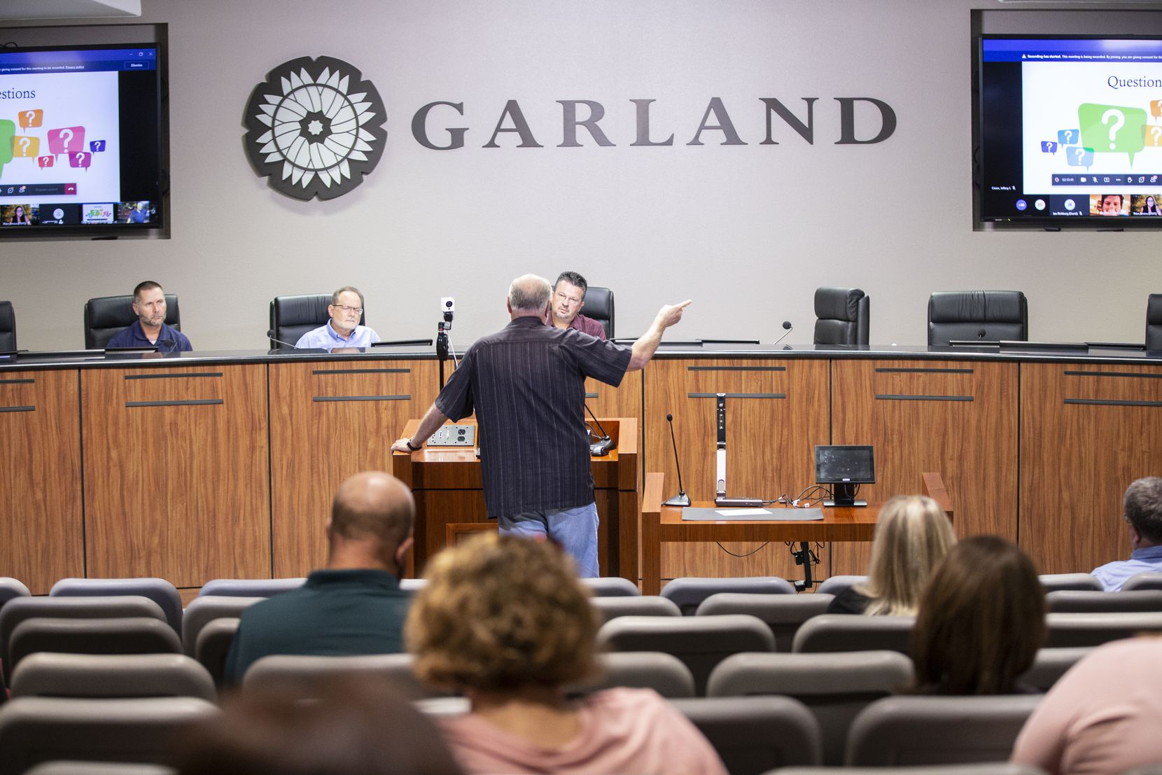 Mike Harbison, a resident of Garland, speaks during a virtual public meeting hosted by the Environmental Protection Agency at Garland Town Hall on Thursday, August 5, 2021. The agency discussed his remediation plans after finding high levels of lead and arsenic in the area, including at a creek and at Park Crest Elementary School.