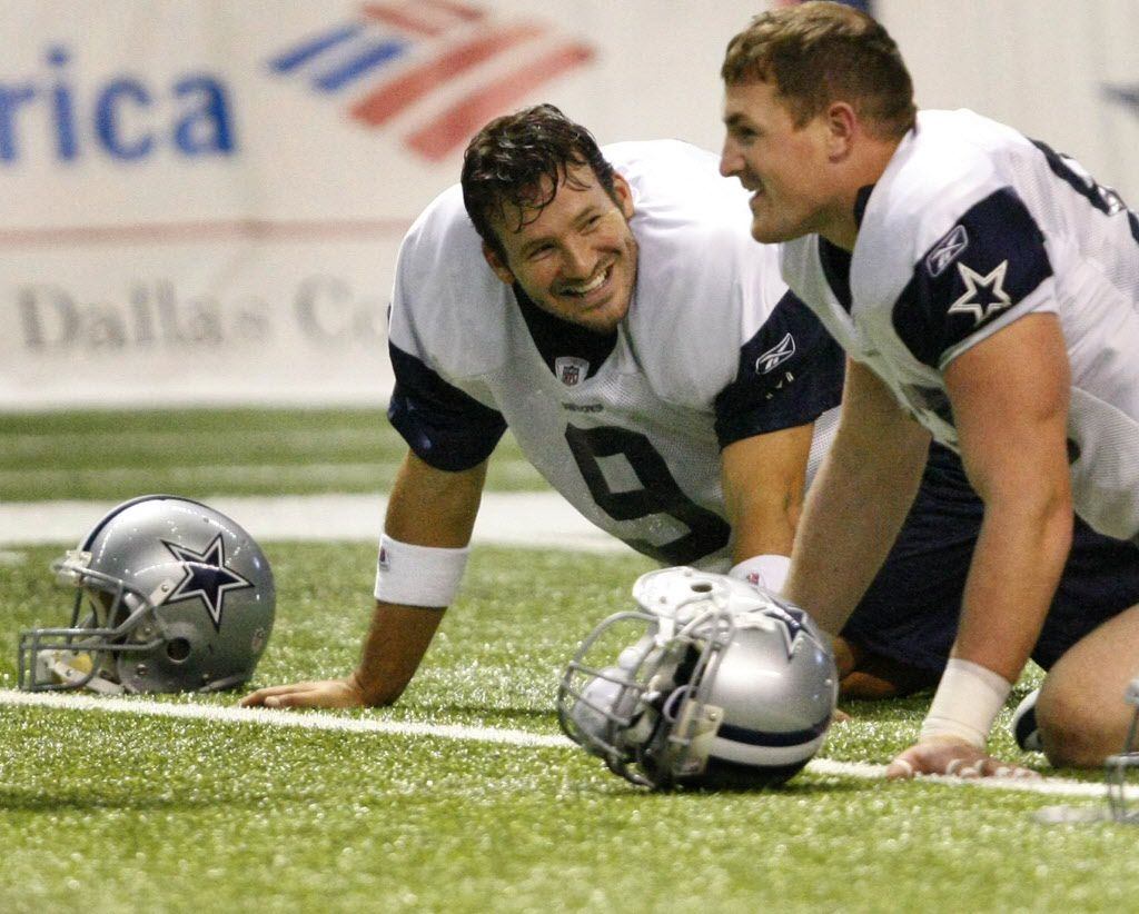 ORG XMIT: *S19785F02* Quarterback Tony Romo (left) and tight end Jason Witten (right) stretch during Dallas Cowboys  summer training camp at the Alamodome in San Antonio, Texas Monday August 17, 2009. (Star-Telegram/Ron Jenkins)