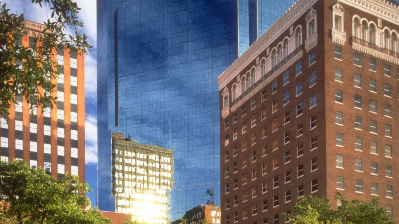 Oncor is moving its Fort Worth office to the 777 Main tower.
