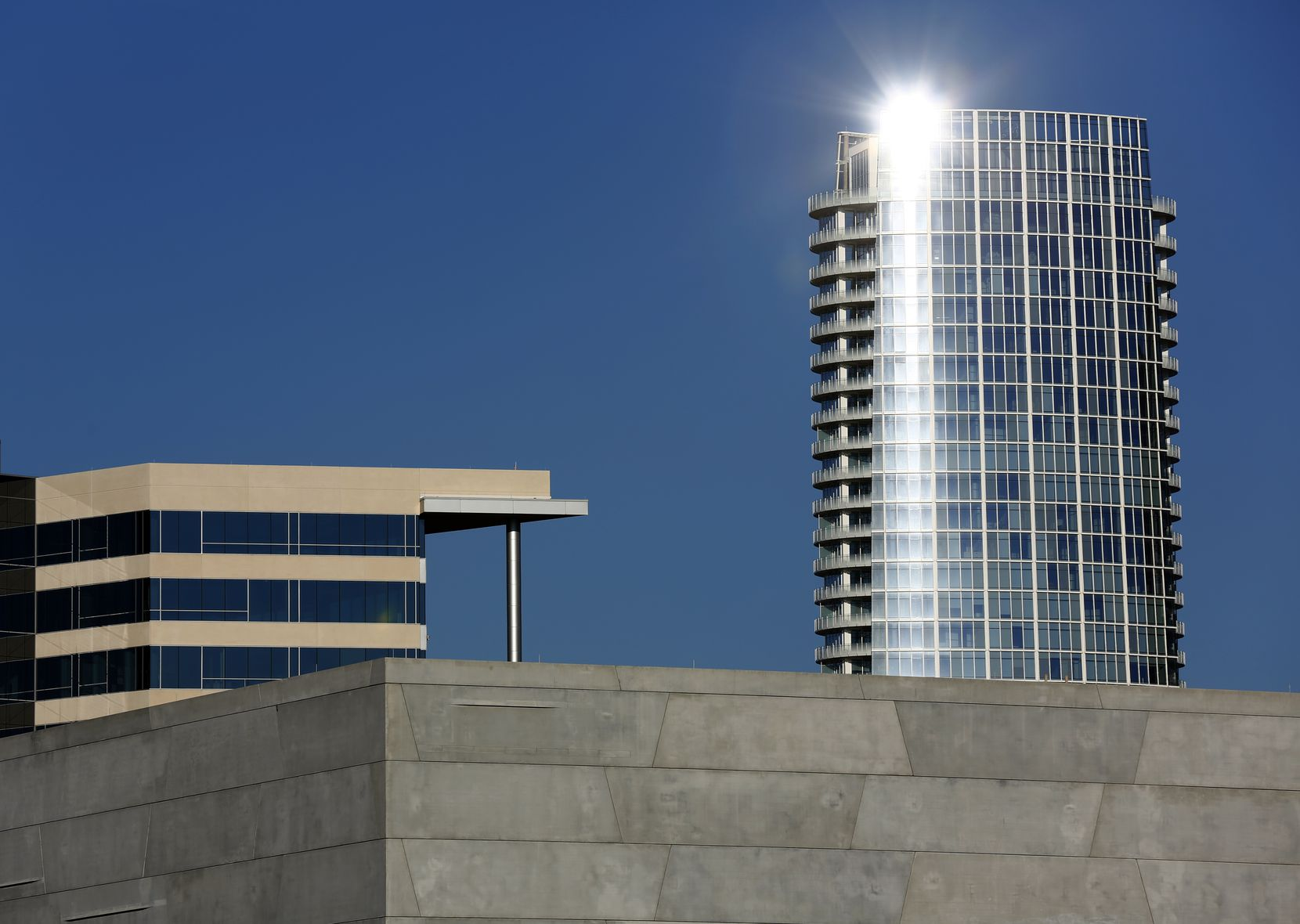 Museum Tower's obtrusive glare is a civic embarrassment.