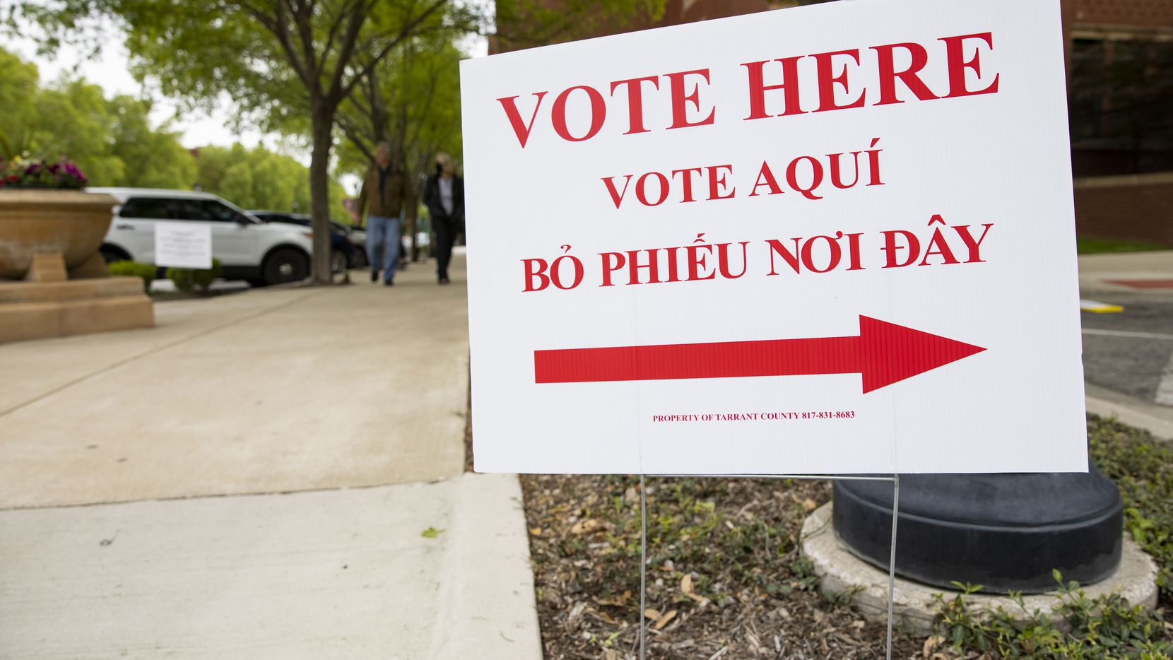 Voters in Arlington will decide mayor and City Council District 3 in a June 5 runoff.
