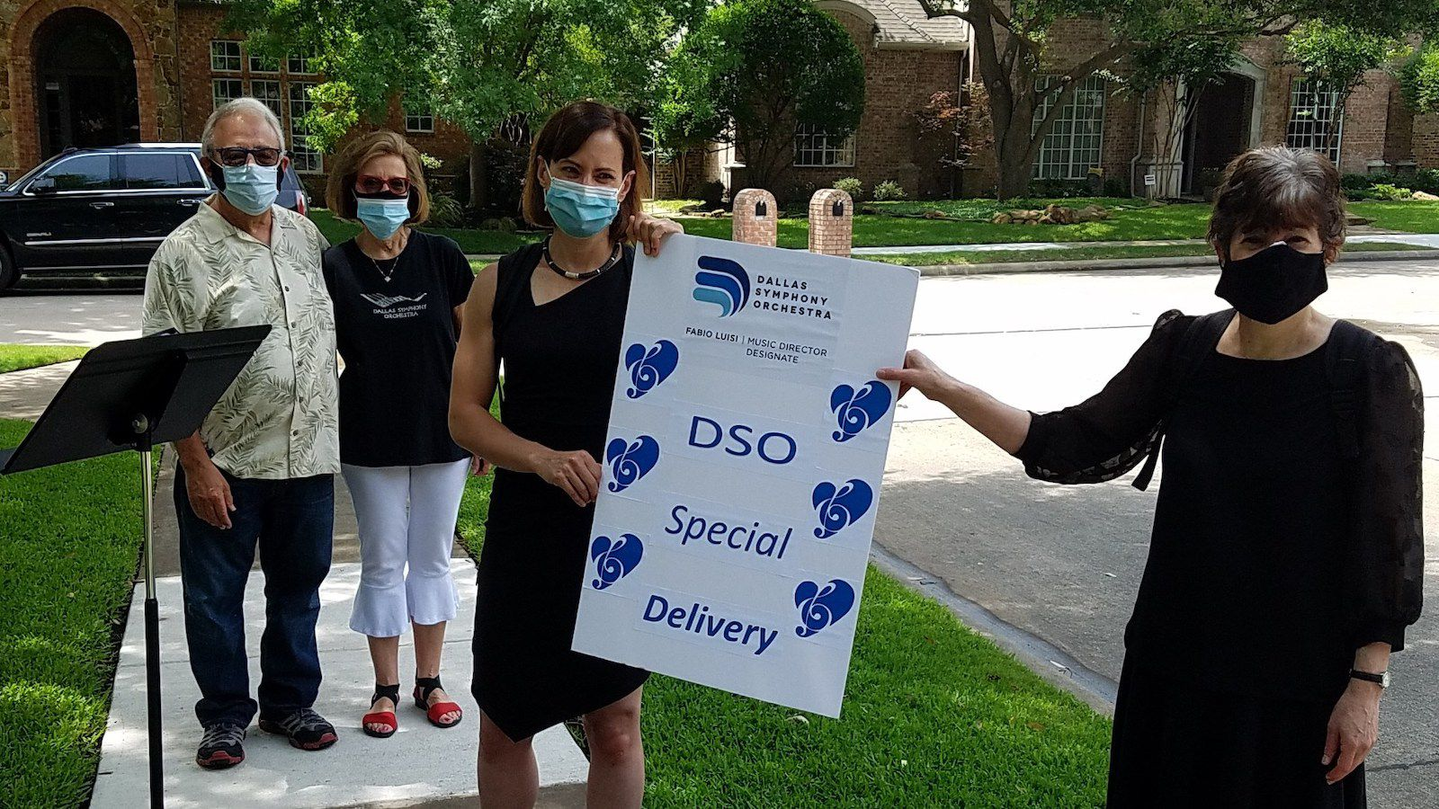 Through a program called Special Delivery, Dallas residents could request visits from Dallas Symphony Orchestra musicians for private, distanced concerts.
