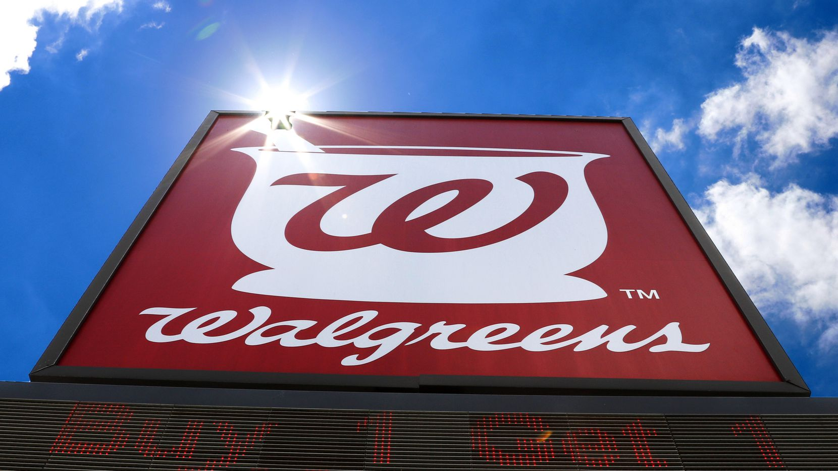 The 24-hour Walgreens on Lemmon and McKinney in Uptown closed this week for a deep cleaning after an employee tested positive for COVID-19. Retailers are taking preventative measures, such as requiring masks and putting up plexiglass barriers, but they also need a plan for what happens when team members test positive for the coronavirus.