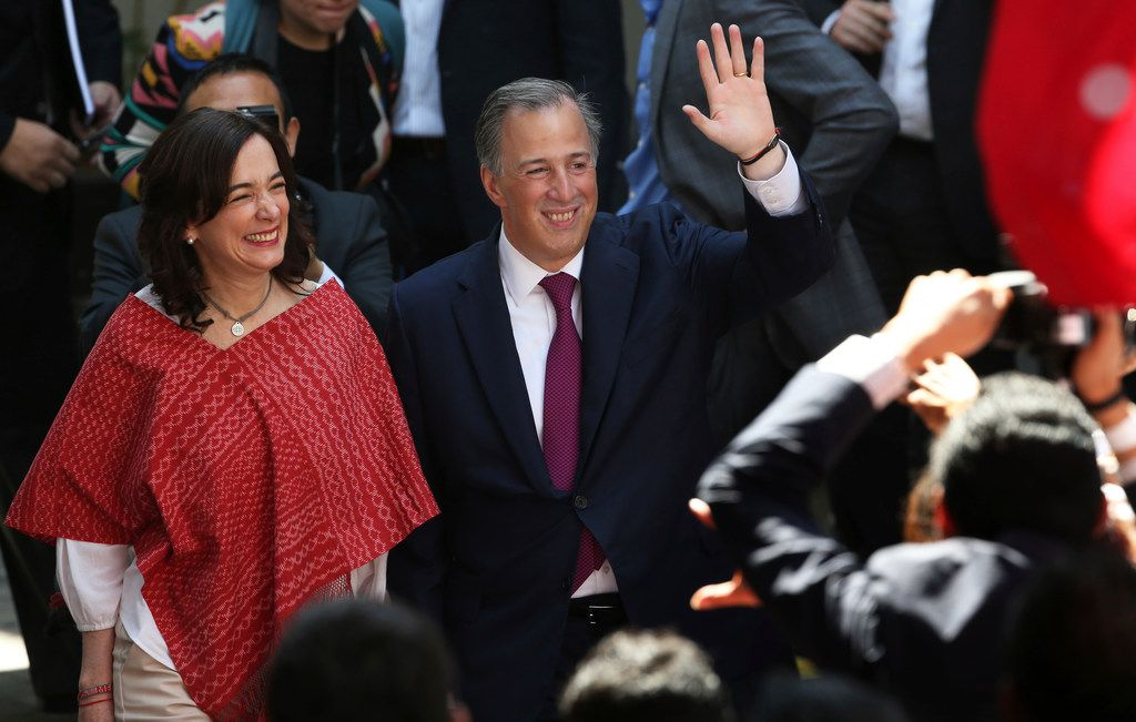 Jose Antonio Meade of the Institutional Revolutionary Party and his wife, Juana Cuevas, acknowledged supporters in Mexico City this month after he formalized his candidacy for president.