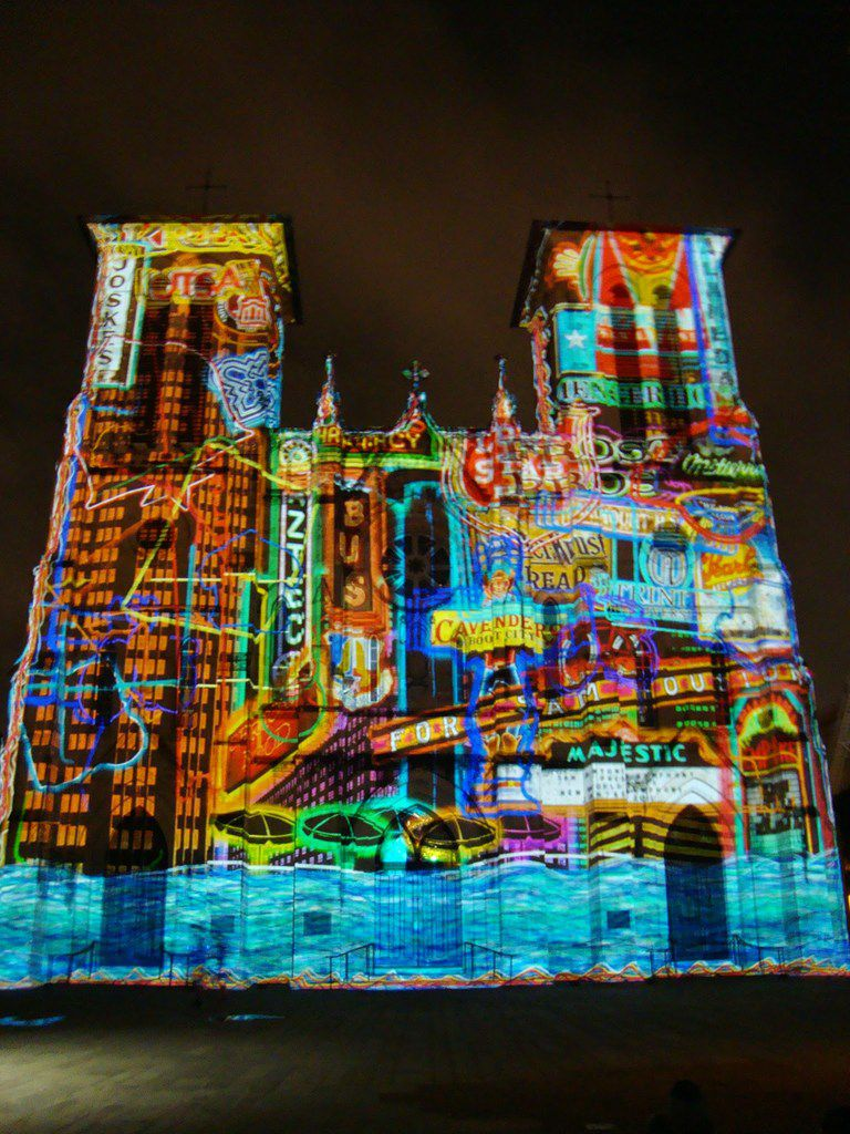 Visitors can watch SAGA, a free 24-minute light show that is projected on the San Fernando Cathedral, just outside the Drury Plaza Hotel. The show is visible from the hotel's balconies.