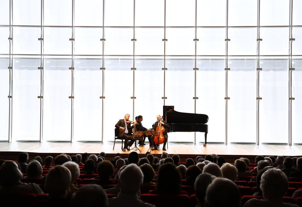 Stephen Rose on violin, John Novacek on piano and Brant Taylor on cello performed Piano Trio in C Major, Hob. XV, No.27 by Franz Joseph Haydn at the Mimir Chamber Music Festival at the Renzo Piano Pavilion at the Kimbell Art Museum in  2014.