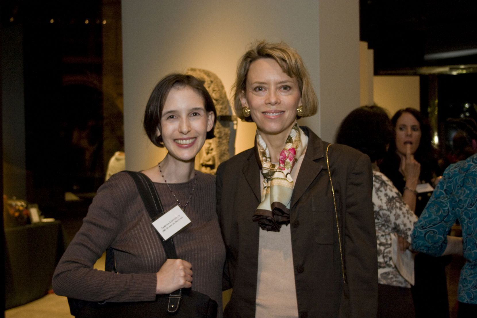 Serena Simmons Connelly (left) and her sister Lisa Simmons. Until her death, Serena helped Lisa in leading the Harold Simmons Foundation, which has funded institutions and nonprofits across North Texas.
