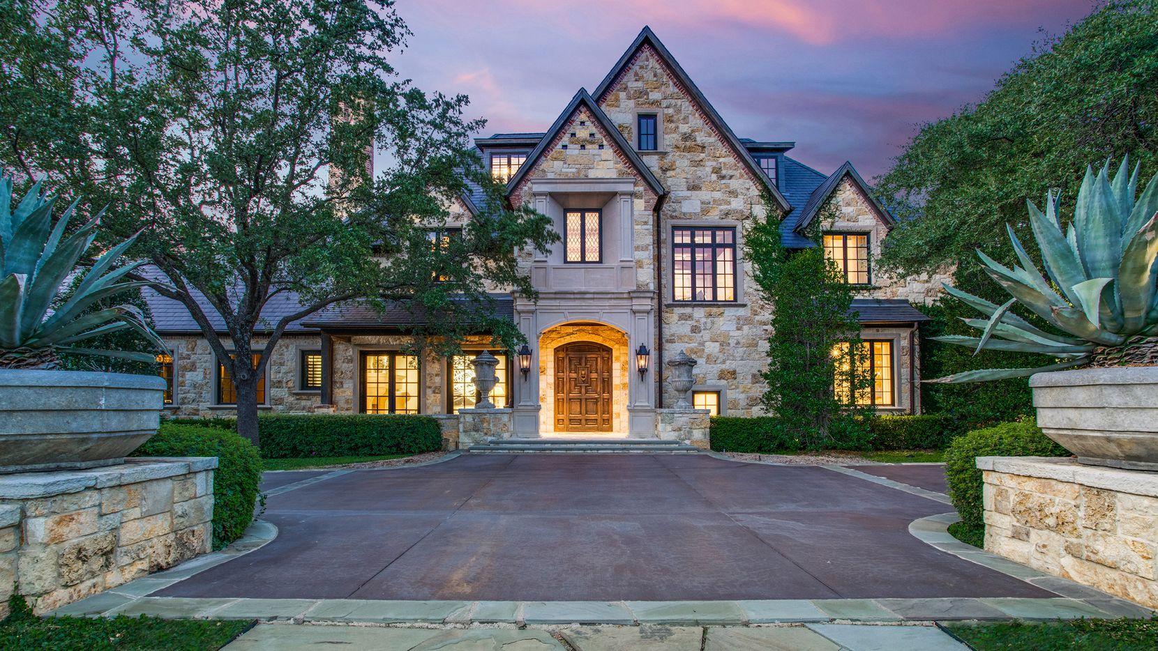 Iconic estates like this one are selling in the Dallas-Fort Worth area.