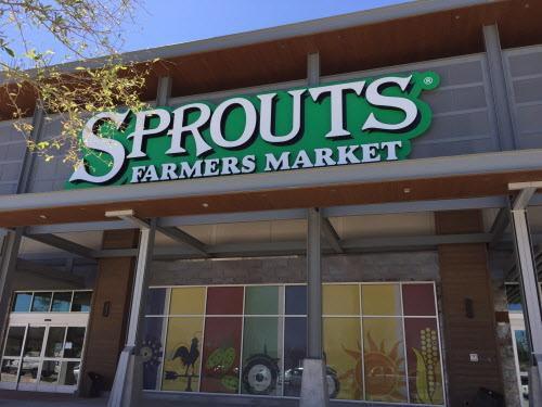 El supermercado Sprouts Farmers Market abrió el miércoles en Lake Highlands. (DMN/MARIA HALKIAS)