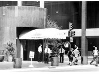 Image published in 03-12-1985 of Dakota's restaurant.
