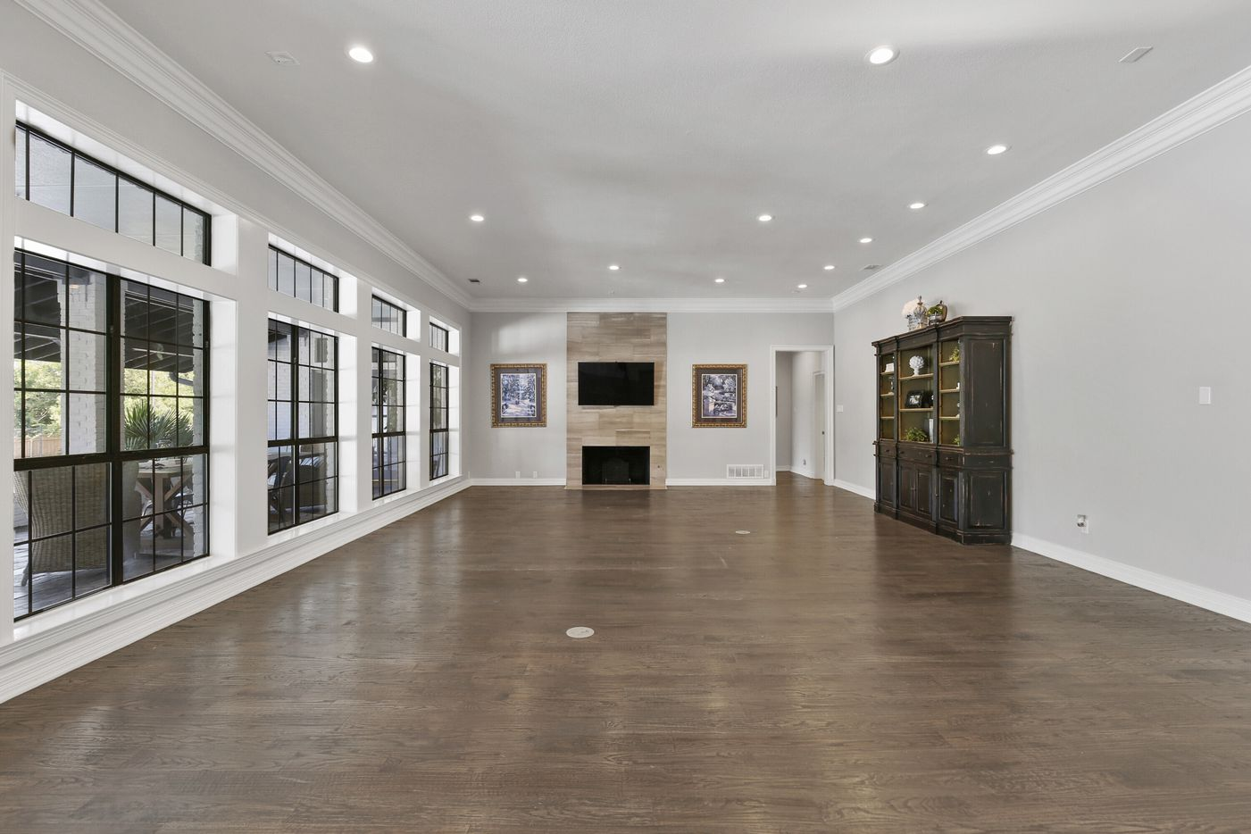 Take a look at the home at 14208 Hughes Lane in Dallas.