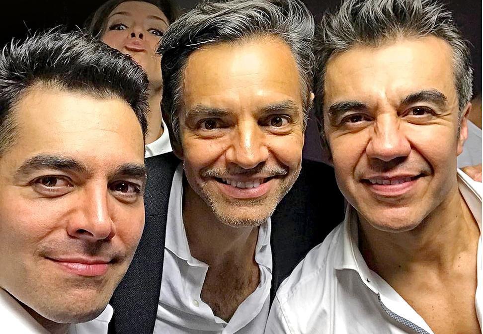 Omar Chaparro (izq.), Eugenio Derbez y Adrián Uribe actuarán juntos en un filme en Hollywood.(FACEBOOK)