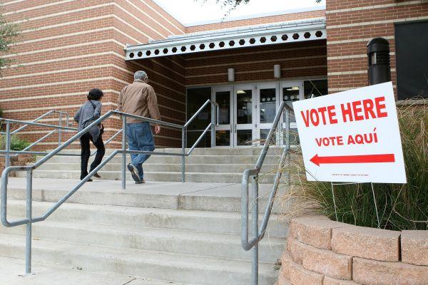 Un 56% de votantes latinos dicen que están más entusiasmados en esta elección con respecto al 2016.