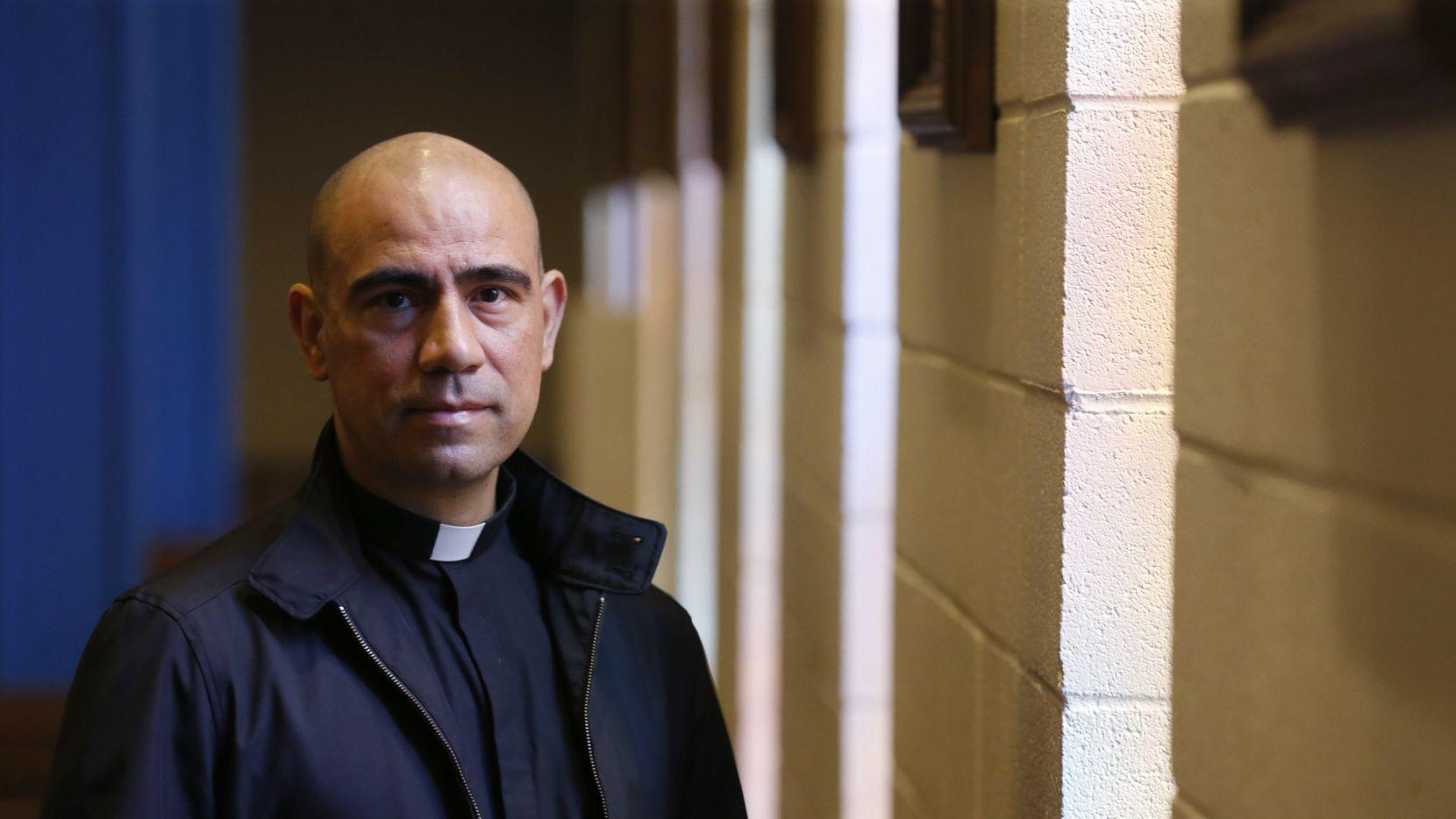 El padre Jesús Belmontes, quien ha estado al frente de la parroquia de San Juan Diego por más de 12 años, fue nombrado nuevo rector de la Catedral de Guadalupe, en Dallas.