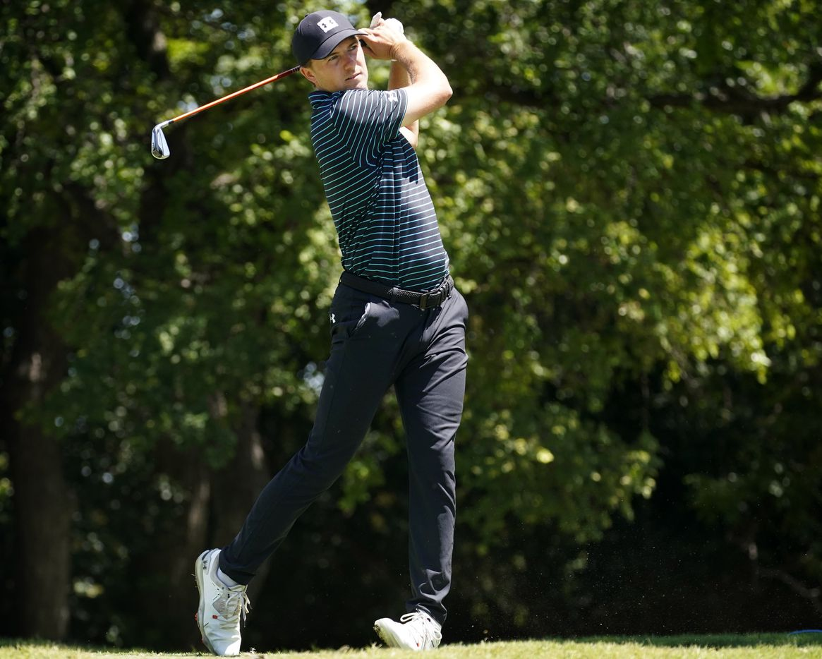 PGA Tour golfer Jordan Spieth watches his drive off the ninth tee box during the second round of the Charles Schwab Challenge at the Colonial Country Club in Fort Worth, Friday, June 12, 2020.  The Challenge is the first tour event since the COVID-19 pandemic began. (Tom Fox/The Dallas Morning News)