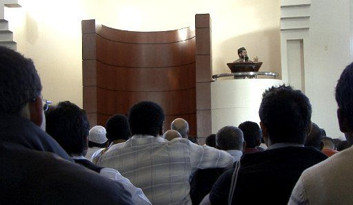 Imam Zia Sheikh spoke during a prayer service at the Islamic Center of Irving in 2008.