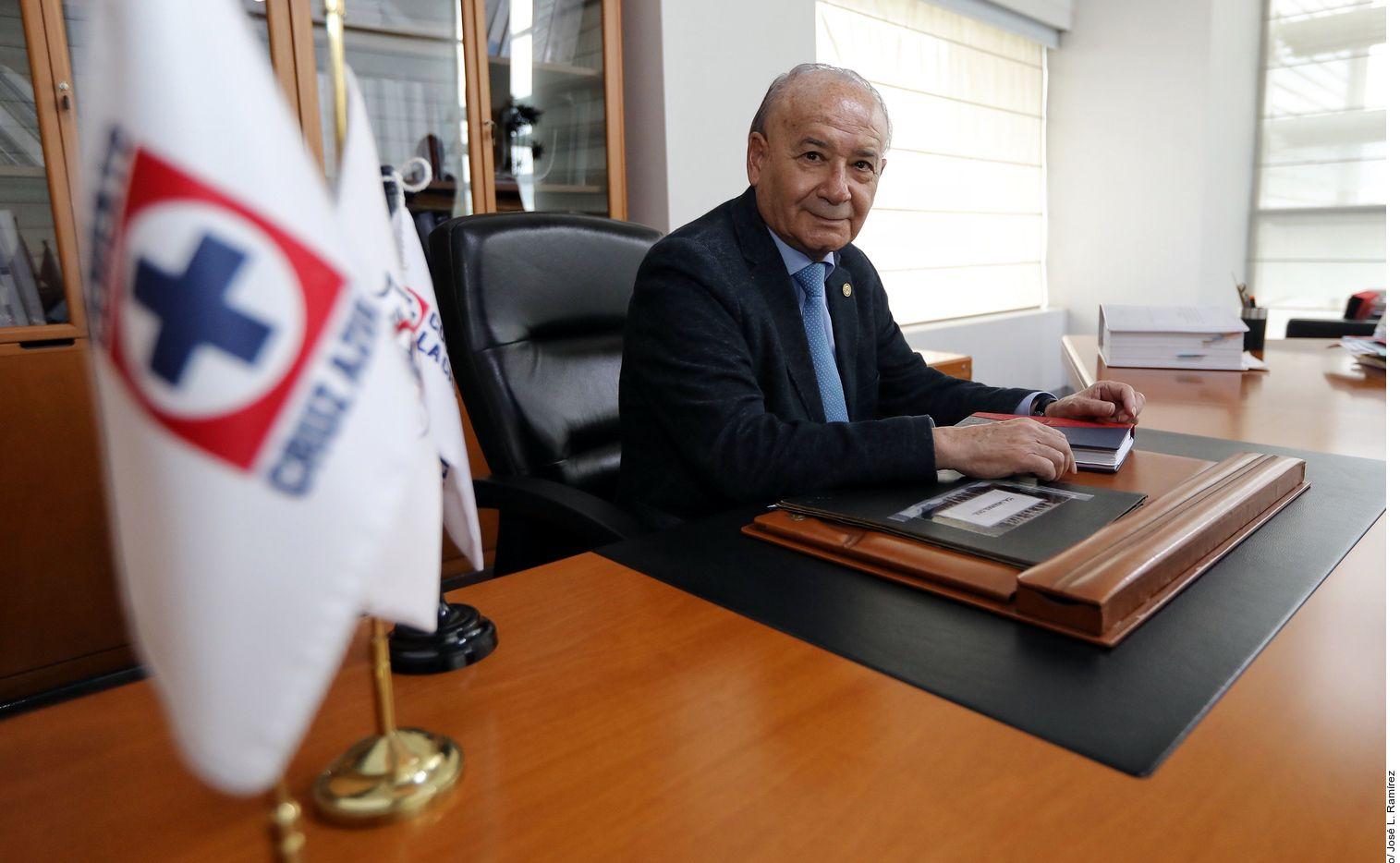 Guillermo Álvarez sigue al frente de Cruz Azul, dice la cooperativa que desmiente su destitución.