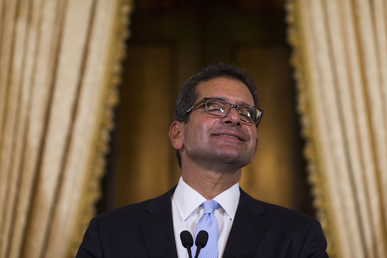 Pedro Pierluisi, sonríe durante una conferencia de prensa después de tomar posesión como gobernador de Puerto Rico el 2 de agosto