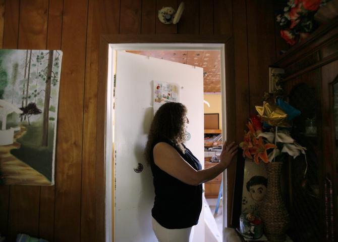 Cristina, una madre indocumentada de Dallas, está entre las miles de personas que se beneficiarían con el programa de acción diferida para padres de hijos estadounidenses <137>(DAPA)<137> que anunció el presidente Obama este jueves. (ESPECIAL PARA AL DÍA/BEN TORRES)