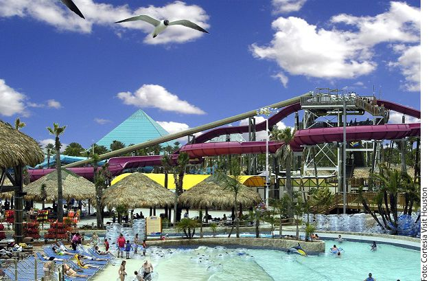 Para disfrutar al aire libre durante el verano, en Houston hay varios parques acuáticos, lagos y playas. Varios de ellos están incluidos en los pases de Experience Houston Summer Fun, aquí una breve guía. AGENCIA REFORMA