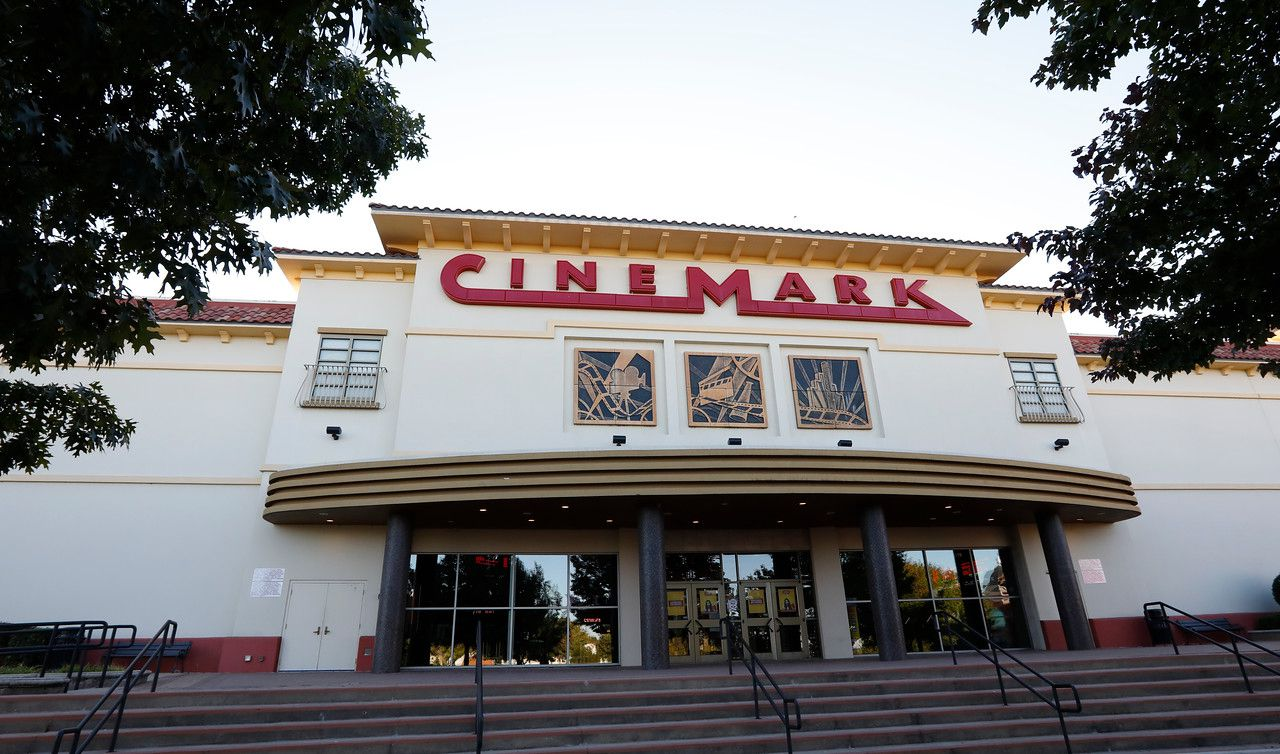 Cinemark 14 Rockwall and XC is located at 2125 Summer Lee Dr, Rockwall, TX