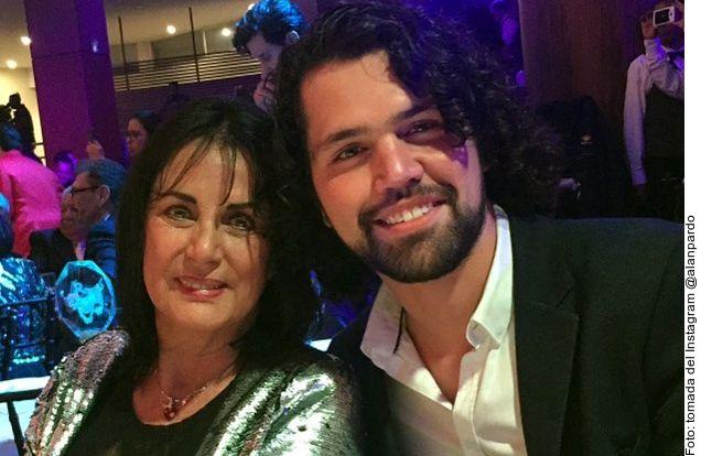 Helena Rojo junto a su nieto Alan Kaleb Maldonado Pardo