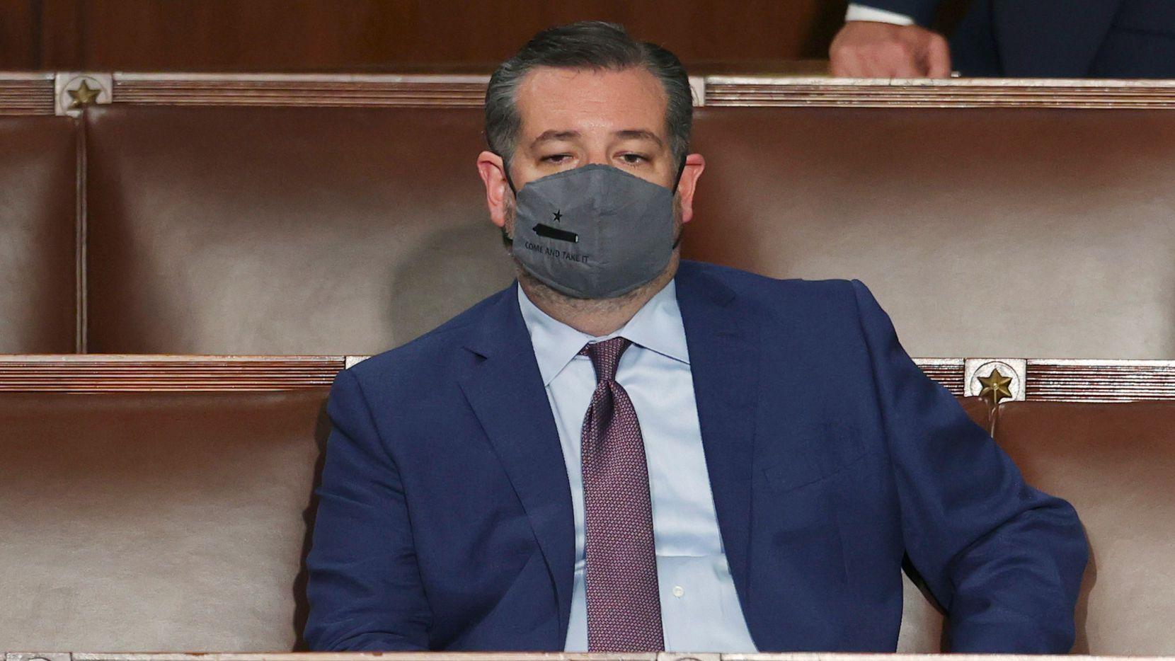 El senador republicano Ted Cruz fue visto entrecerrando sus ojos durante el discurso del miércoles de Joe Biden.