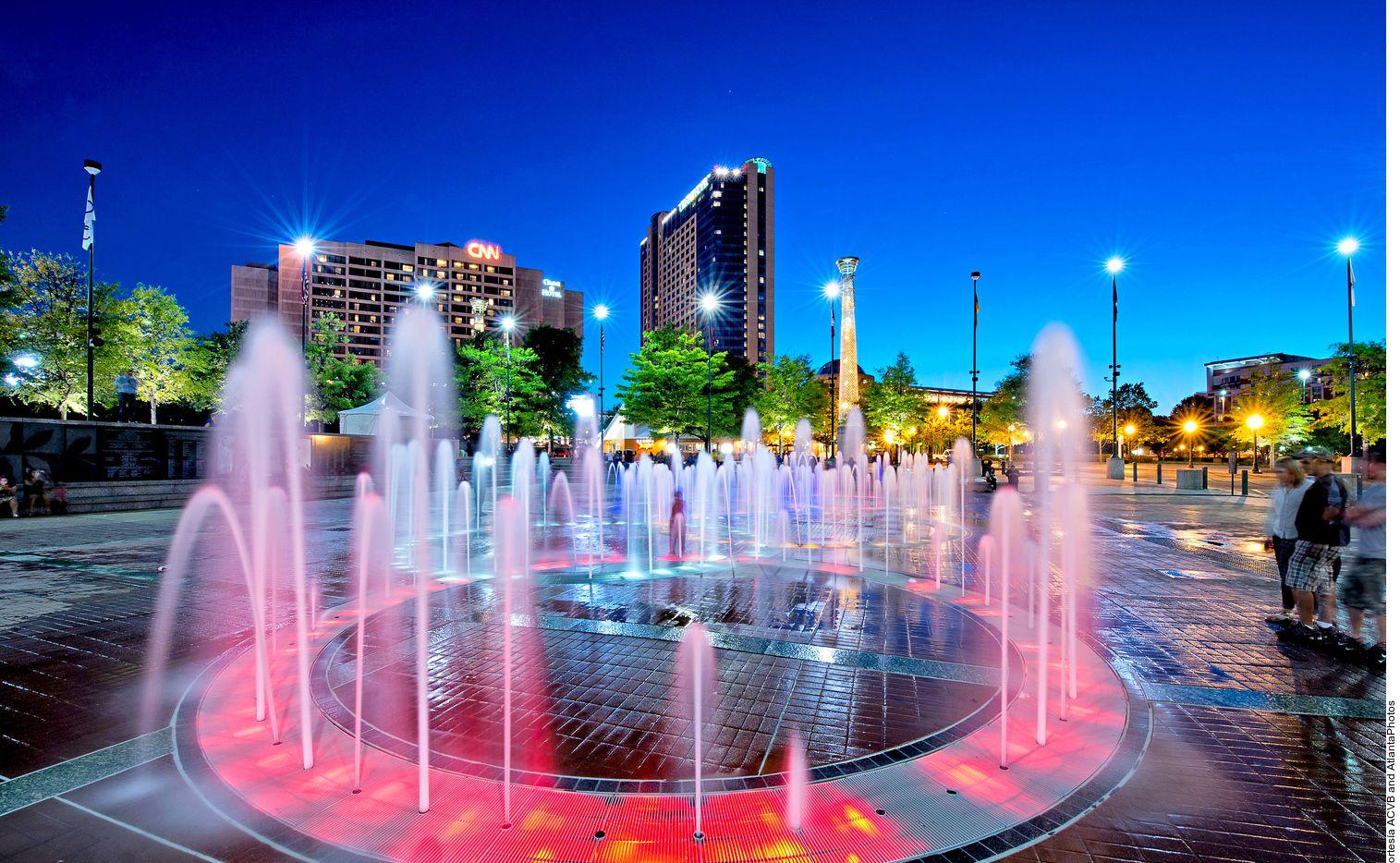 Muchos viajeros inician su aventura por Atlanta, Estados Unidos, en Centennial Olympic Park, un espacio que fue abierto como parte de los preparativos para los Juegos Olímpicos de 1996.