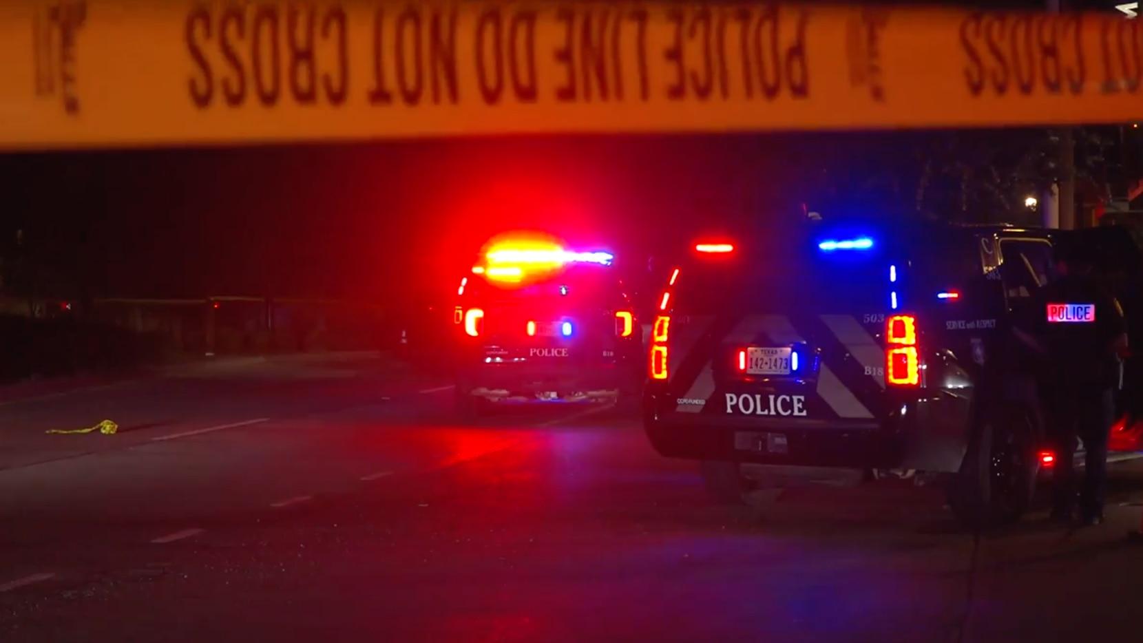 Patrullas de la policía de Fort Worth respondieron a un reporte de un tiroteo el lunes a las 3 a.m. en West Rosedale St. y Hemphill St.