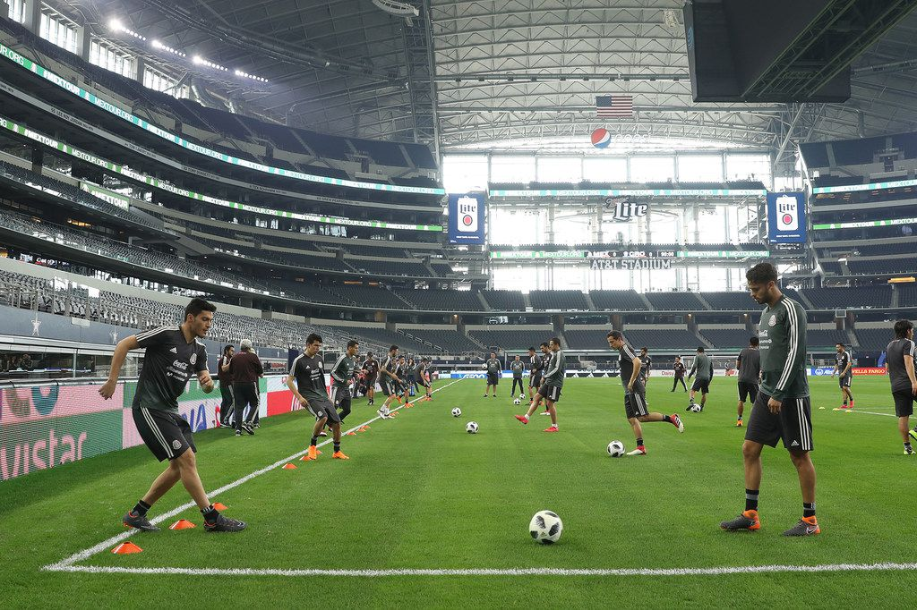 Mexico trains before its friendly match against Croatia on March 27, 2018 at AT&T Stadium in Arlington.