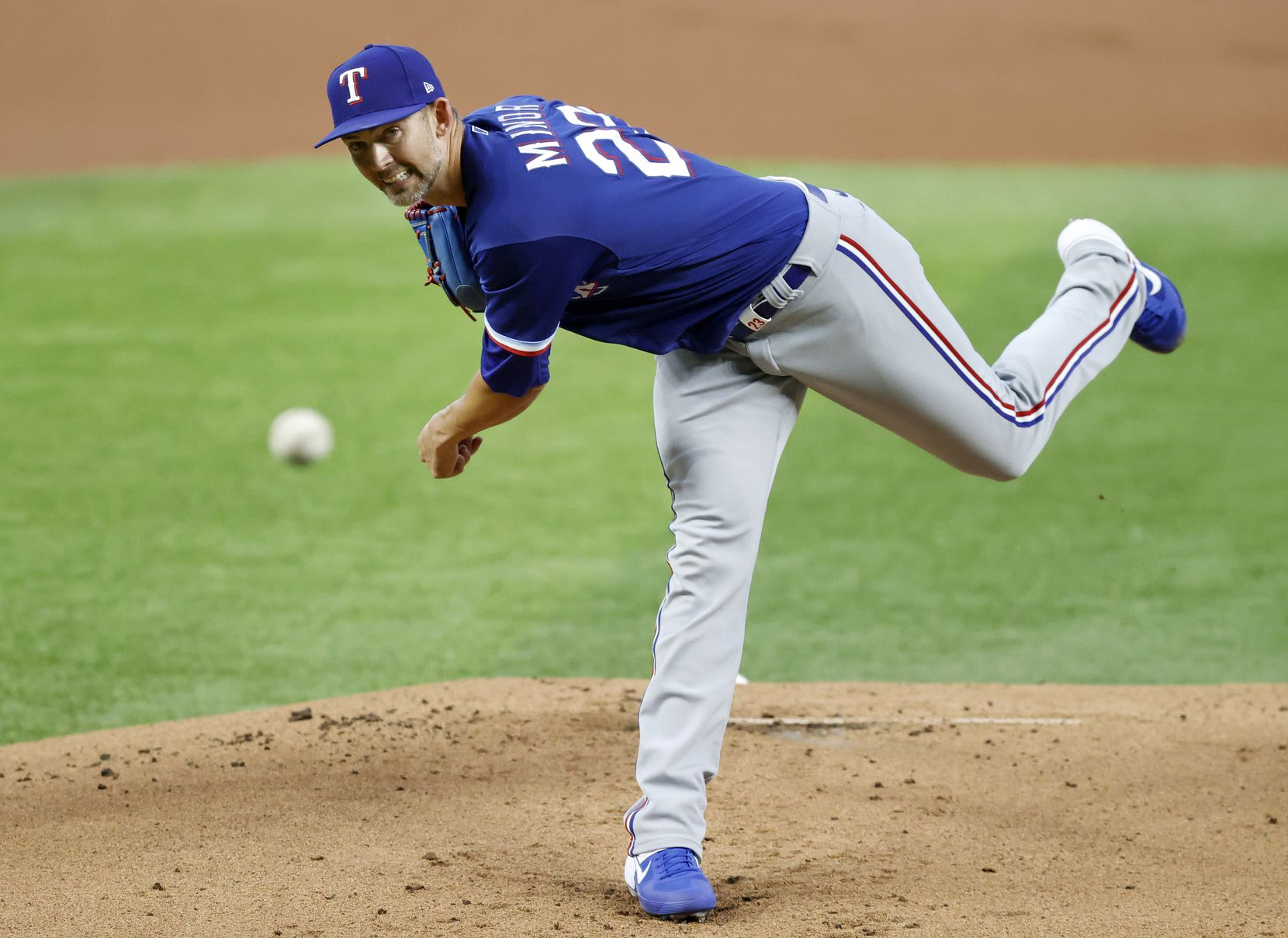 Texas Rangers starting pitcher Mike Minor throws from the mound during a simulated Summer Camp game inside Globe Life Field in Arlington, Texas, Thursday, July 9, 2020. (Tom Fox/The Dallas Morning News)