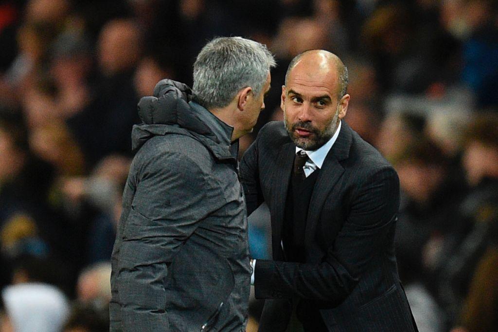 José Mourinho saluda a Pep Guardiola (der.). Foto GETTY IMAGES