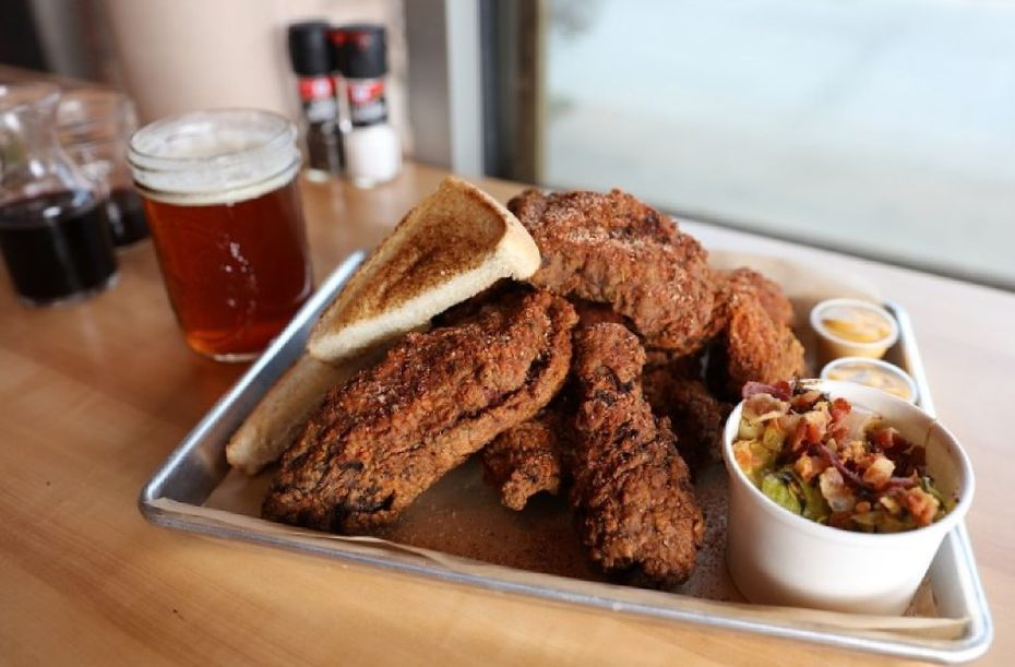 One of the guys behind Lockhart Smokehouse is operating Farmbyrd, a chicken restaurant.
