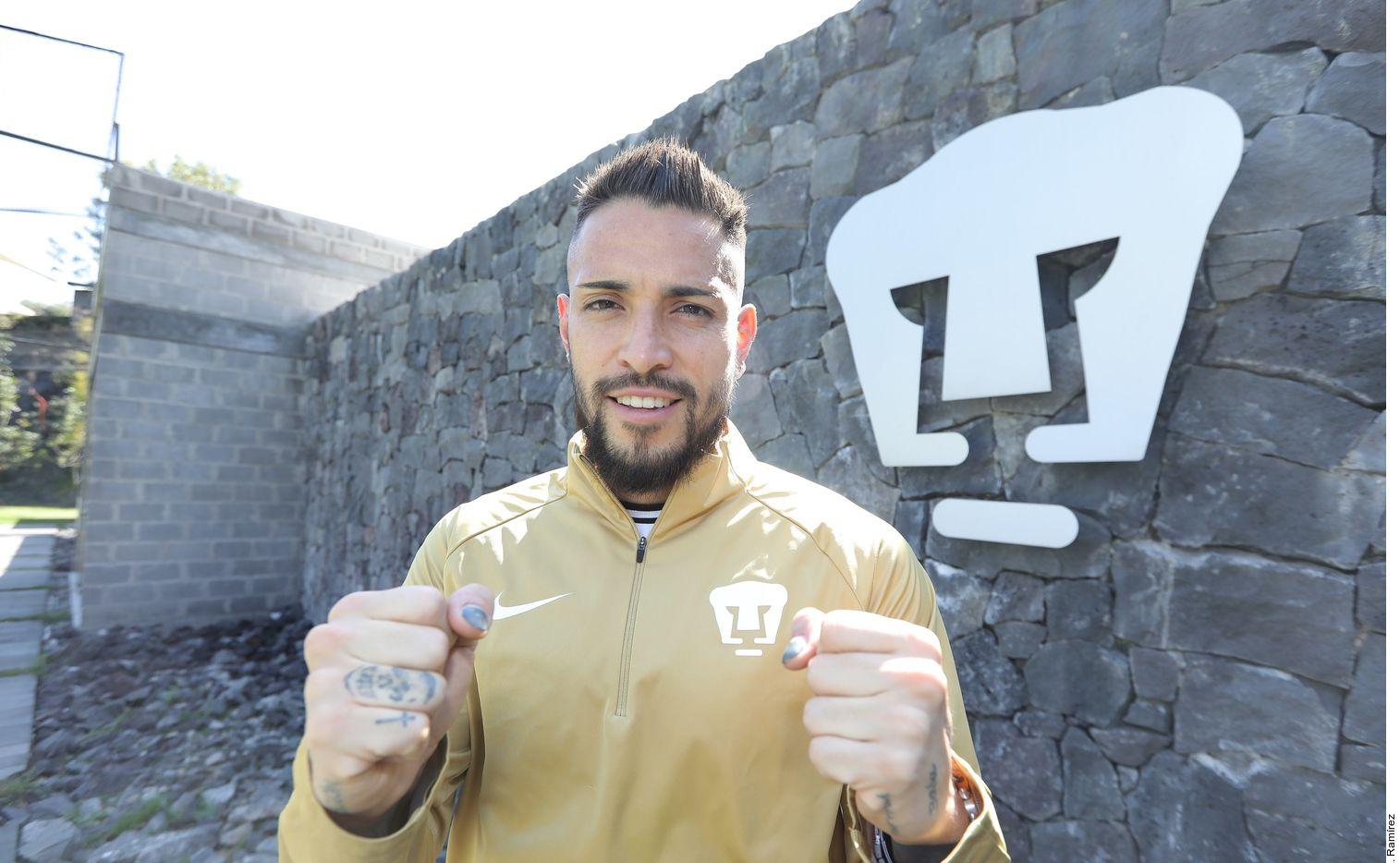 """El arquero de Pumas de la UNAM, Alfredo """"Pollo"""" Saldívar, ha estado 20 años dentro de  la institución universitaria."""
