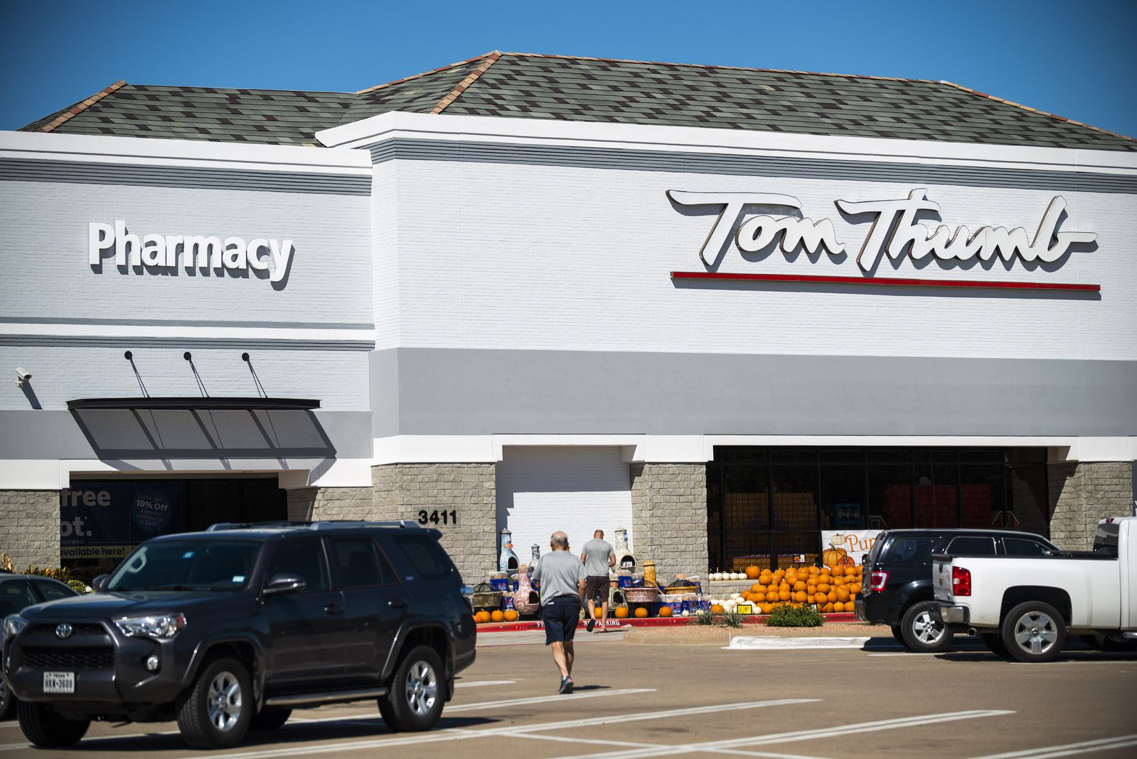 Tom Thumb grocery store at Custer Parkway in Richardson.
