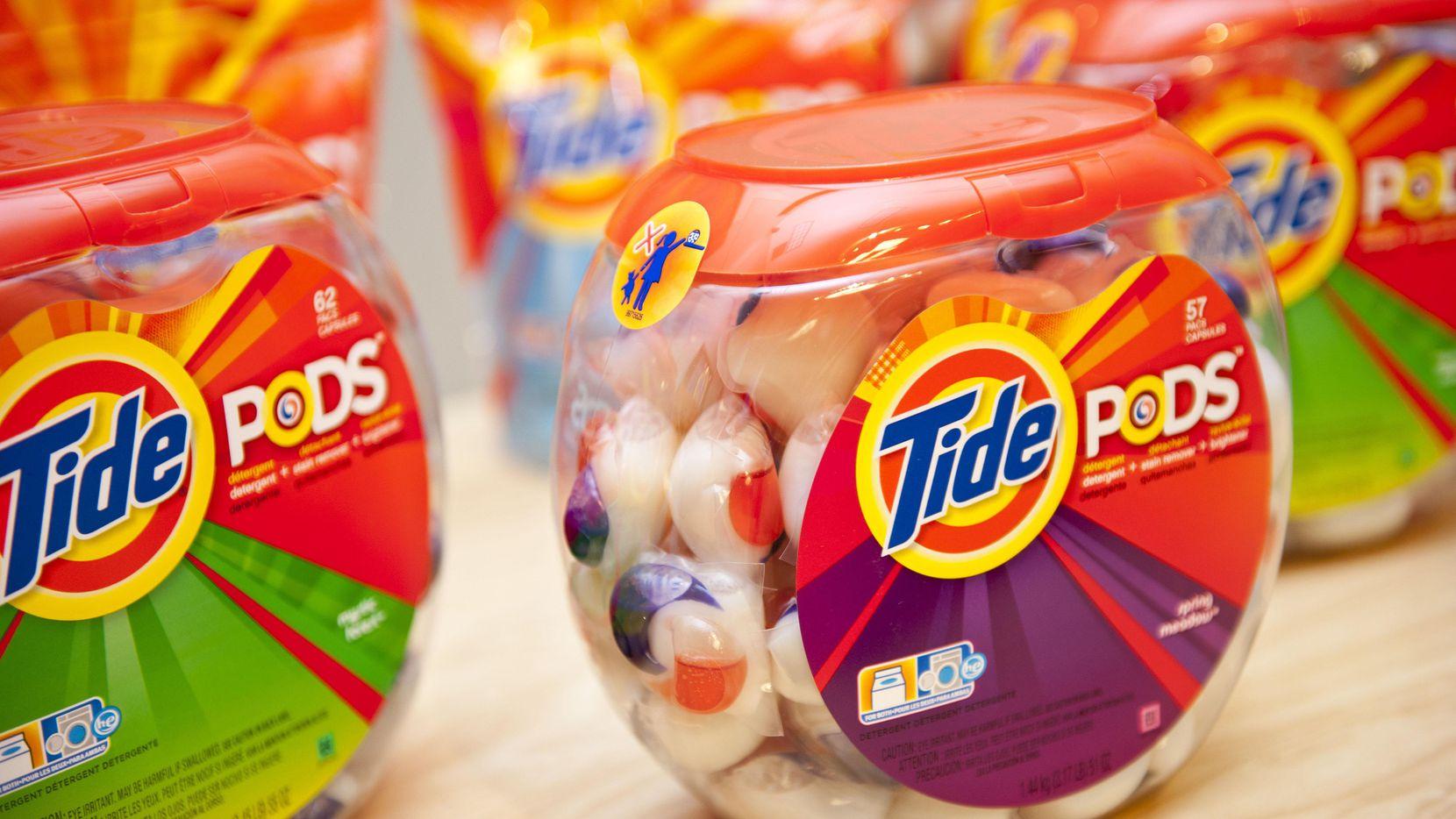 Las bolsitas con detergente Tide.(AP)