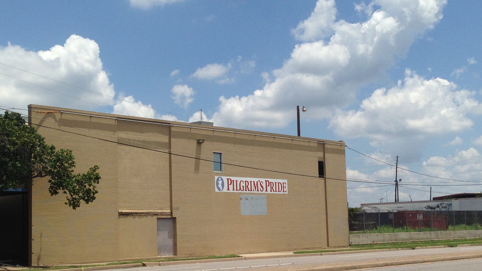 Investor Mike Hoque has bought 15 acres on downtown Dallas' near south side.