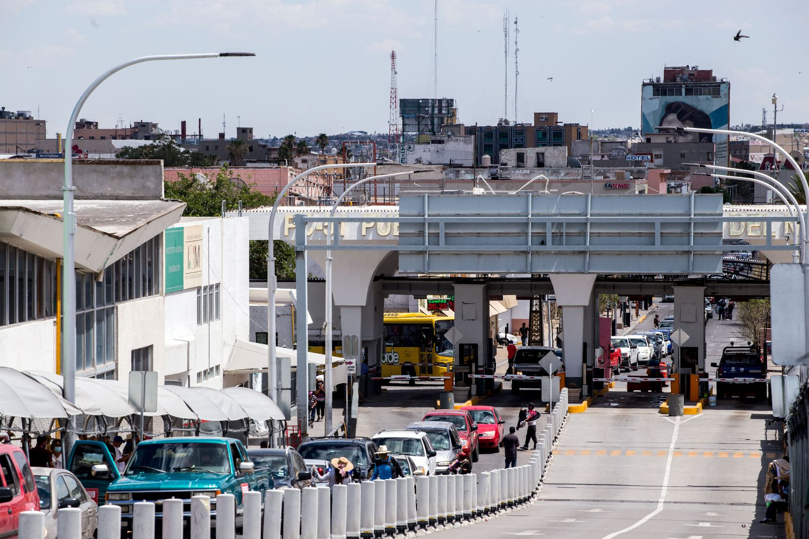 Vehicles wait in line to cross the border to El Paso, Texas through the Paso Del Norte Port of Entry in Ciudad Juarez, Chihuahua, Mexico, on Friday, June, 26, 2020. Majority of the vehicles waiting in line had Texas license plates. (Joel Angel Juarez/Special Contributor)