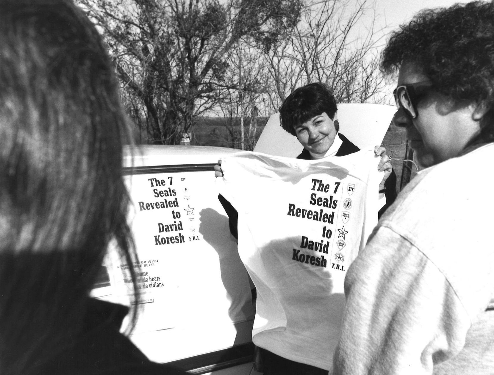 March 12, 1993: Rosaline Eastepp, of Garland, attempted to sell T-shirts to two women in Waco to observe the stand off.