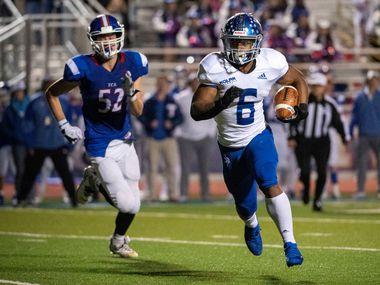 Fort Worth Nolan running back Emeka Megwa (6) runs for a touchdown against TCA-Addison on November 8, 2019 at Tom Landry Stadium in Addison. (Jeffrey McWhorter/Special Contributor)