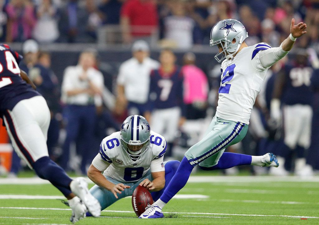 Dallas Cowboys kicker Brett Maher (2) kicks the second of his two first half field goal attempts in a game against the Houston Texans during the first half of play at NRG Stadium in Houston on Sunday, October 7, 2018. (Vernon Bryant/The Dallas Morning News)