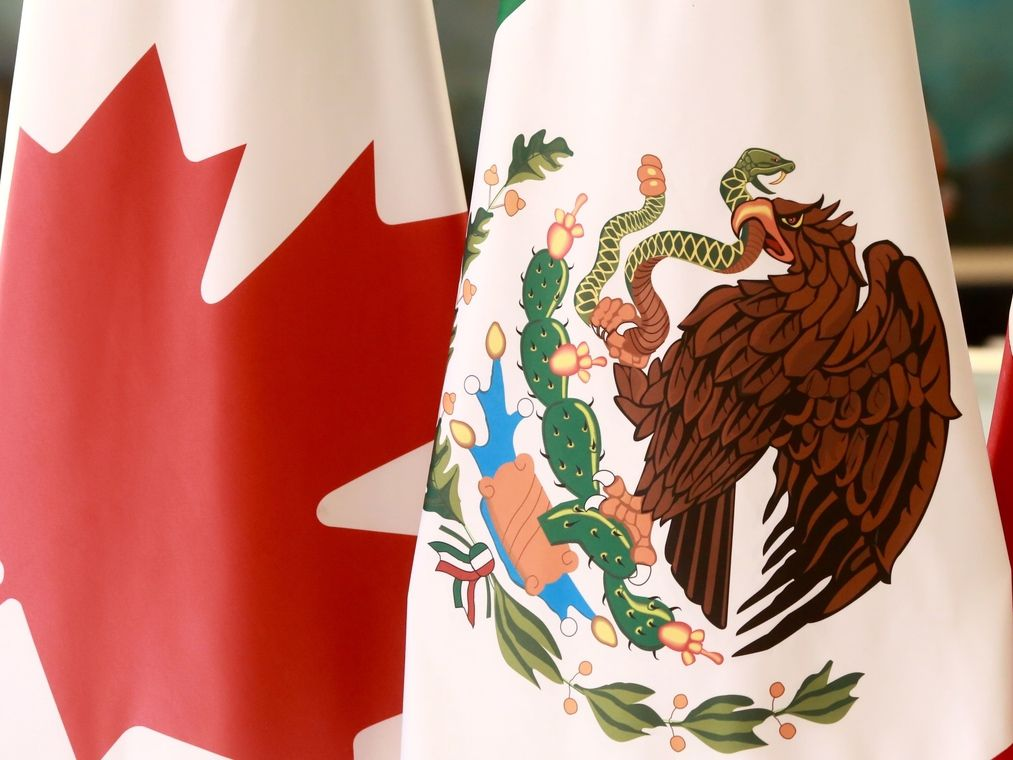 Darío Alberto Bernal Acero, cónsul de México en Leamington, Ontario, Canadá, fue separado de su cargo tras ser captado en un video sexual en su oficina consular.