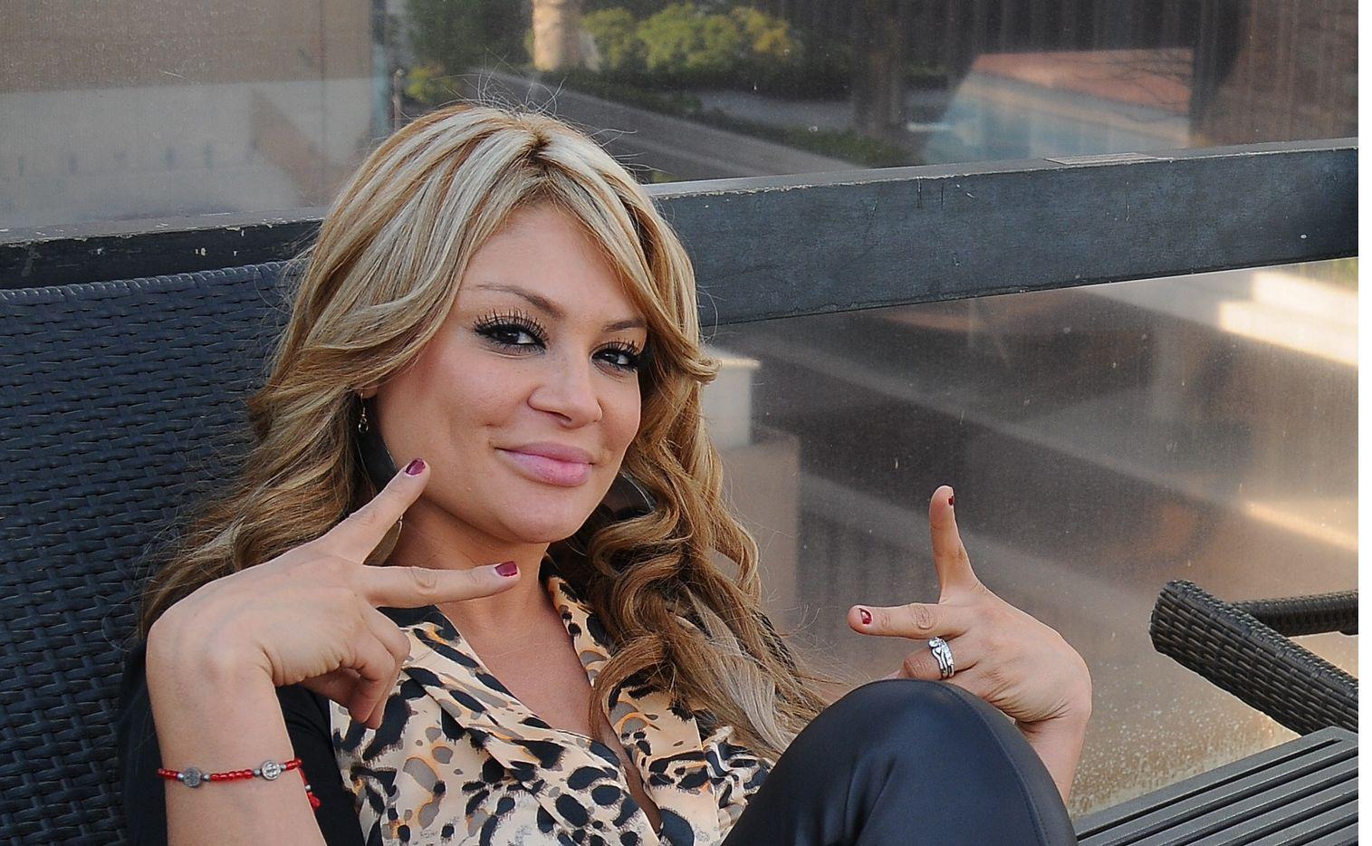 Marisol Terrazas, de Los Horóscopos de Durango, se fue contra un sujeto que le lanzó una bebida en un concierto.