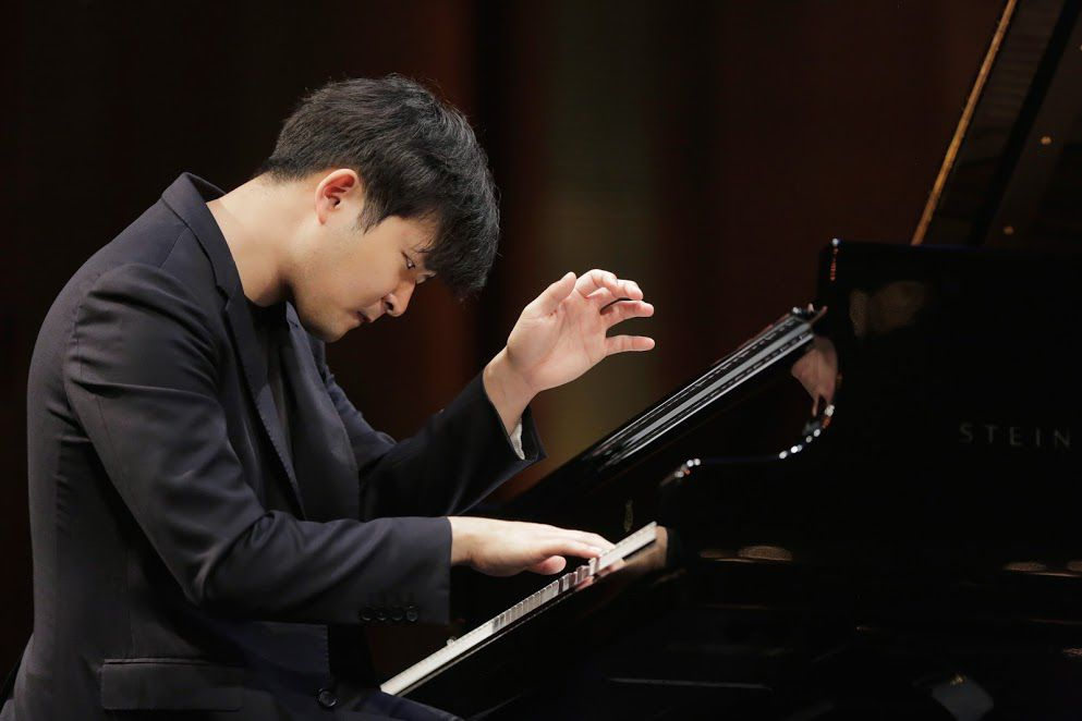 Yekwon Sunwoo performs in the Semifinal Round of the Van Cliburn International Piano Competition on June 3, 2017 at Bass Performance Hall, Fort Worth (Ralph Lauer/Van Cliburn Foundation)
