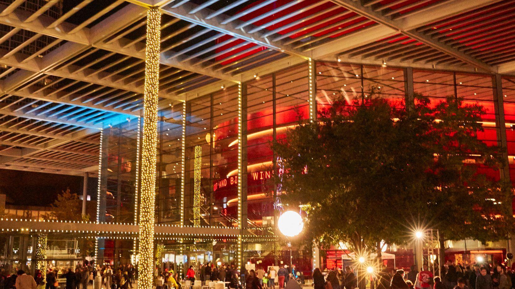 El AT&T Performing Arts Center se llenará de luces navideñas durante las fiestas.