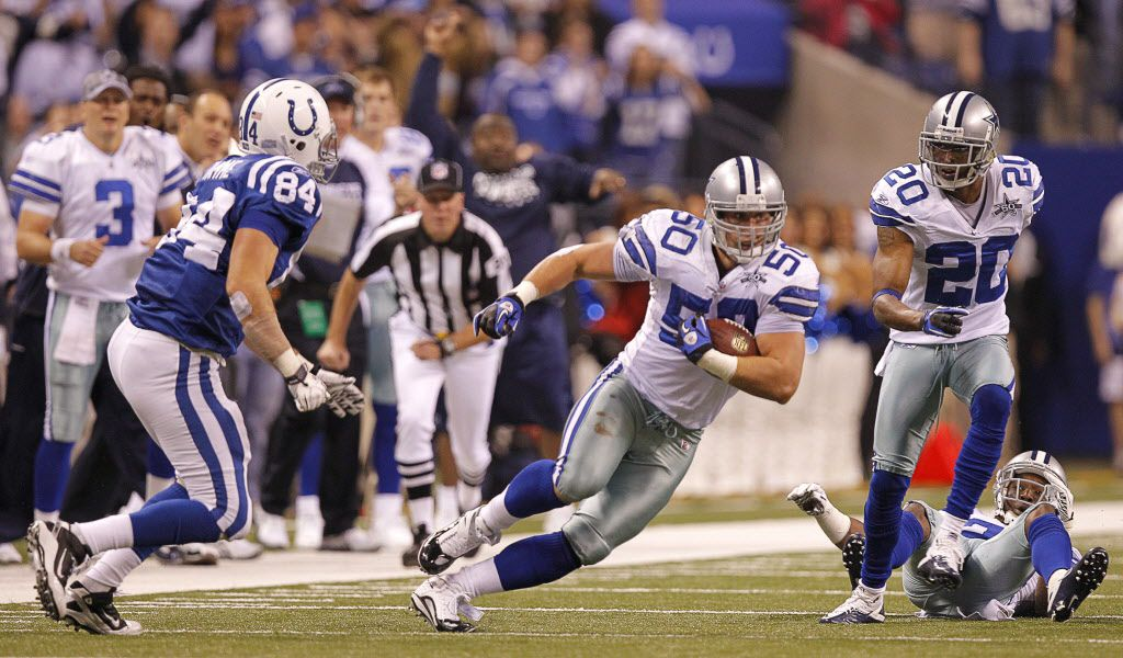 Dallas Cowboys linebacker Sean Lee (50) returns an intercepted Peyton Manning pass to the Colts 36 yard line in overtime to set up the Dallas Cowboys to beat the Indianapolis Colts 38-35 in overtime at Lucas Oil Stadium in Indianapolis, Sunday, December 5, 2010.  (Star-Telegram/Rodger Mallison)