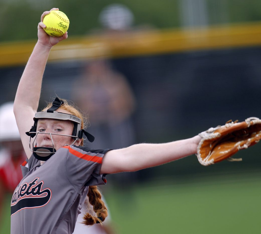 Rockwall pitcher Ainsley Pemberton (9) delivers a pitch to a Converse Judson batter during the bottom of the first inning. The two teams played their UIL 6A state softball semifinal game at Leander Glenn High School in Leander on June 4, 2021. (Steve Hamm/ Special Contributor)
