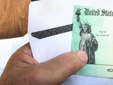 El IRS habilitó un sitio de internet para revisar dónde está su segundo cheque de estímulo y cuándo lo recibirá.
