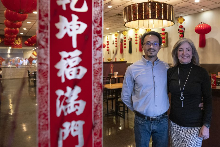 Francisco y Janelle Teng, dueños del popular Jeng Chi en Richardson.